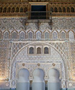 Beat the lines cathedral and royal alcazar Seville