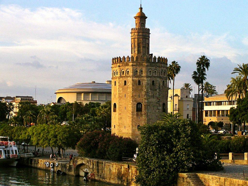 Seville's Torre del Oro