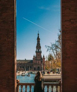 Bachelor party in Seville with a photo tour