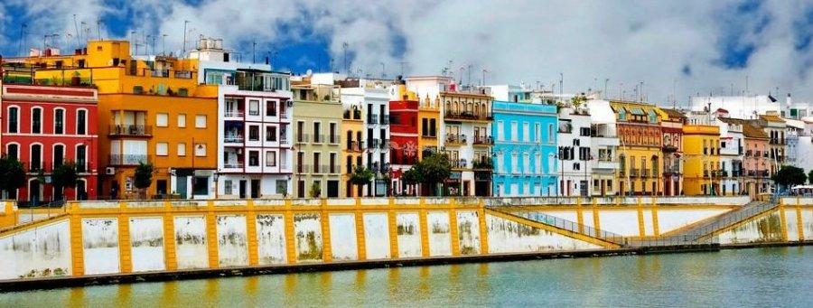 Walking tour of Seville