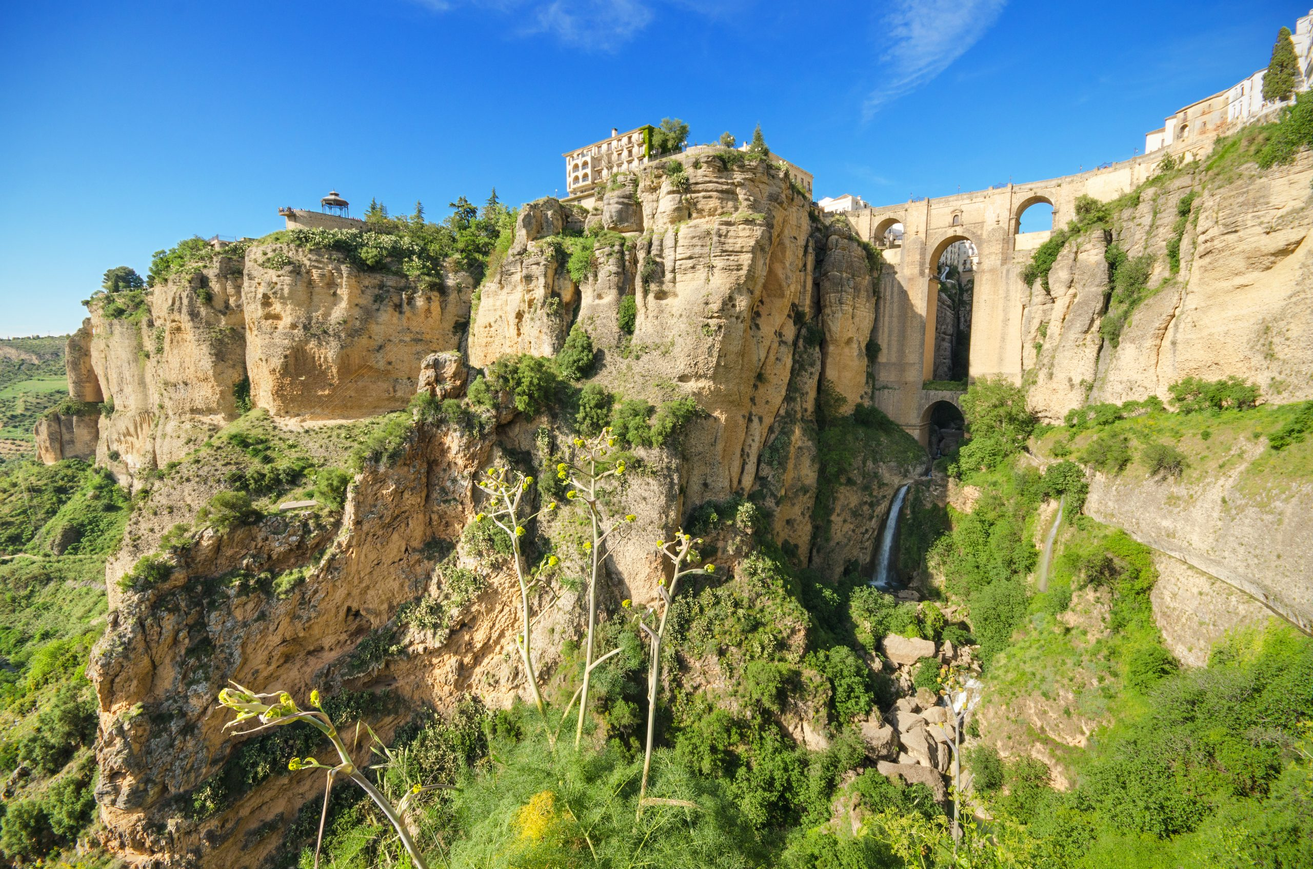 Best views of the New Bridge Ronda on a daytrip