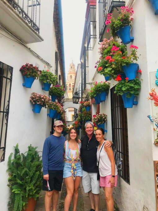 Visit the alley way of flowers in Cordoba from Granada